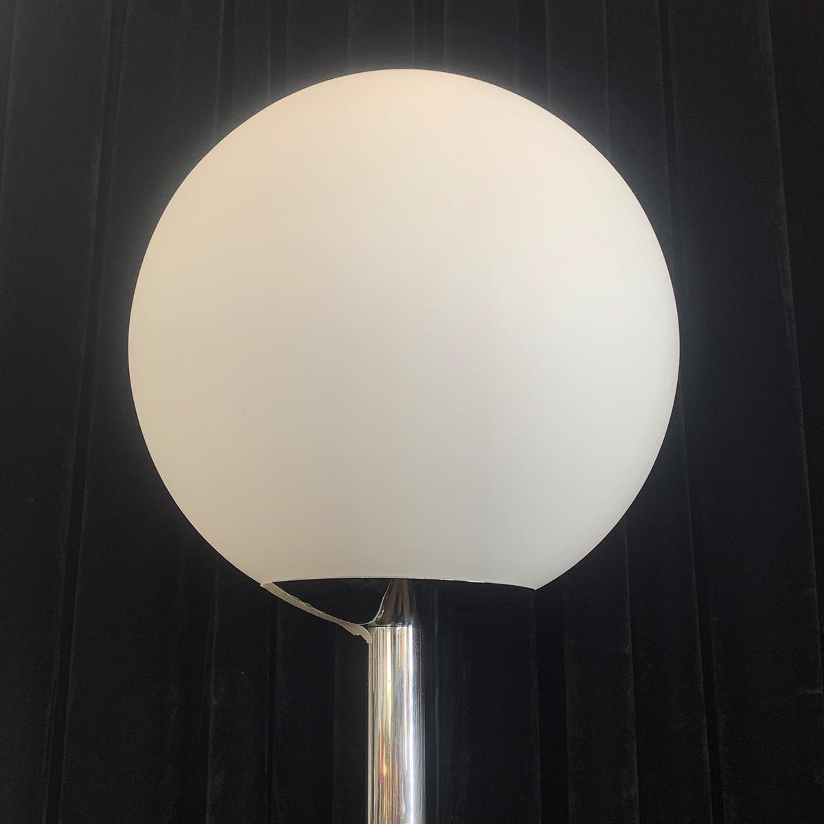 Art Deco Australian Bakelite And Chrome Standing Floor Lamp Artedeco Online Antiques